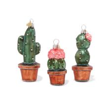 https://www.net-a-porter.com/fr/fr/product/987889/Bombki/coffret-de-trois-decorations-de-fetes-en-verre-little-cacti