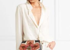 https://www.net-a-porter.com/fr/fr/product/844588/chloe/chemise-en-crepe-de-chine-de-soie-a-broderies