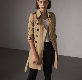 https://au.burberry.com/the-chelsea-mid-length-trench-coat-p40133151