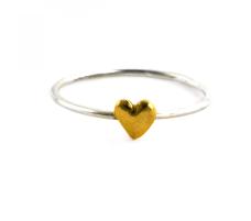 https://www.alexmonroe.com/fine-ring-with-tiny-heart.html?material=84#.WuL5xq3pMnU