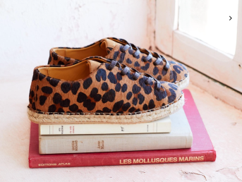 http://www.sezane.com/fr/product/collection-printemps/espadrilles-julie?cou_Id=668