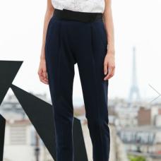 https://fr.claudiepierlot.com/fr/categories/pantalons-et-jeans/popup/32P2H17.html?dwvar_32P2H17_color=5643#sz=27&start=426