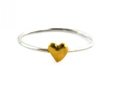 https://www.alexmonroe.com/fine-ring-with-tiny-heart.html?tfrid=8c55df7d-5f89-421b-8e4b-5e509e29b9f1&&material=84#.XFvjiK17QnU